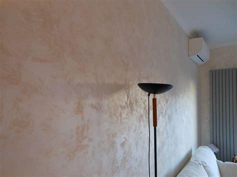 Pittura Per Interni Moderne by Pittura Decorativa Per Interni Cangiante Effetto Sabbia