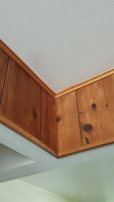 Wood Trim Around Ceiling by What Color Should I Paint Wood Trim Around Ceiling