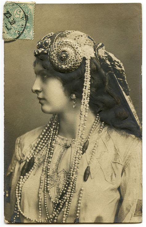 photo art nouveau lady  jewelry  graphics fairy