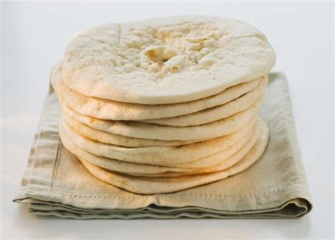 1 whole grain bread calories calories in whole wheat pita bread livestrong
