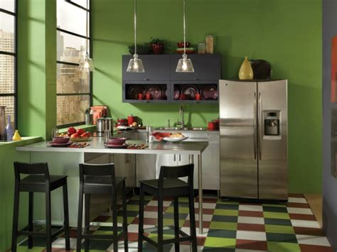 Farbige Bodenfliesen by Wandfarbe K 252 Che Ausw 228 Hlen 70 Ideen Wie Sie Eine