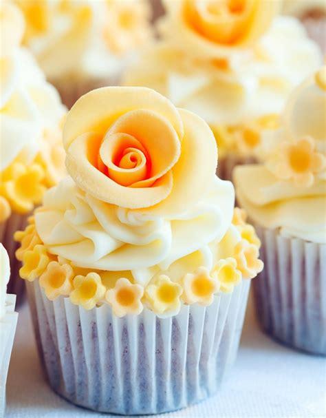 Hochzeitstorte Im Sommer by Cupcakes Statt Hochzeitstorte 30 Ideen F 252 R Die Verzierung