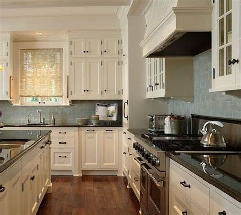 what color granite goes with cream cabinets what color countertops go with cream cabinets
