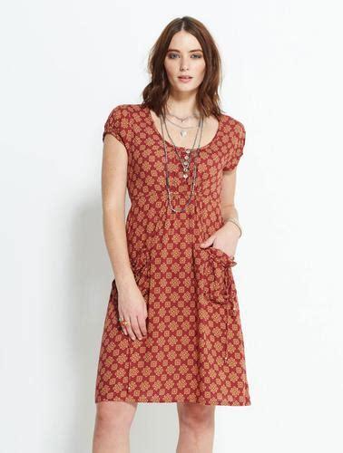 Cinta Dress nomads cintia retro vintage floral pocket dress in terracotta
