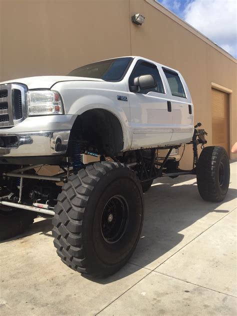ford   lariat monster mud truck  sale