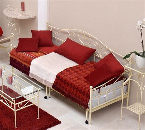 was ist ein tagesbett ausziehbares tagesbett handgeschmiedet wei 223 gora