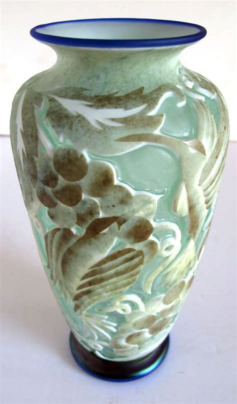 Hummingbird Vase by Marialyce Hawke Cameo Glass Iridescent Hummingbird