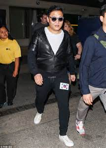 as a world famous flamboyant entertainer psy is known for his dapper