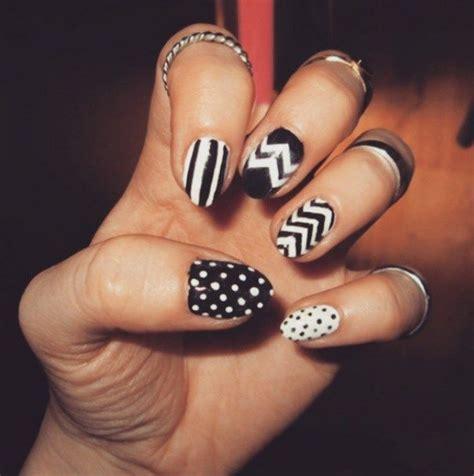 imagenes de uñas blanco y negro u 241 as decoradas en blanco y negro 15 dise 241 os creativos