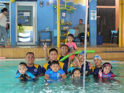 diskon  pendaftaran kursus renang anak air tawarkan program khusus