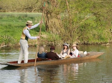 punt boat oxford complete guide to oxford punting tailored tours uk