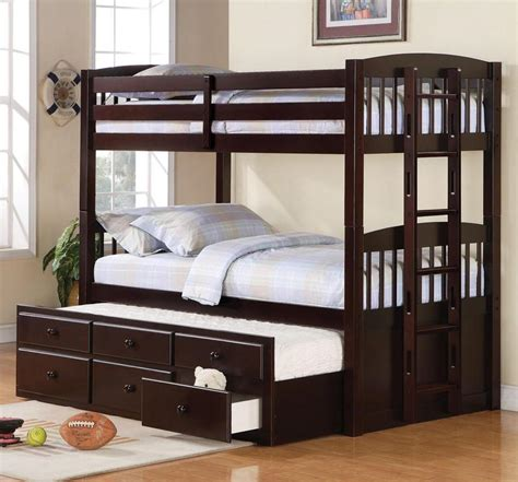 Three Level Bunk Bed Bedroom Bedroom Space Saver Using Loft And Bunk