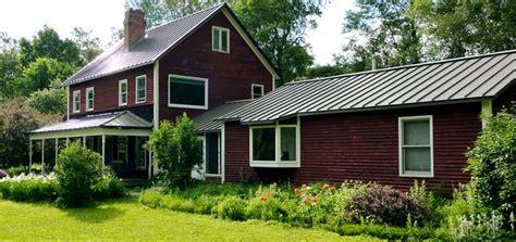 demic cottage