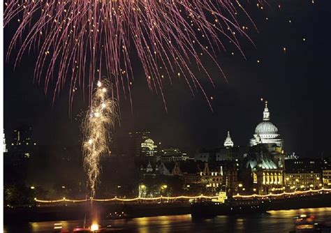 new year s thames river new year s eve dinner and cruise london meteor boat