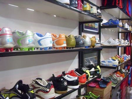Sepatu Casual Olahraga Futsal Sekolah Madenike U Pria Wanita Unisex C trendsepatupria grosir sepatu murah surabaya images
