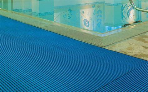 tappeti antiscivolo per esterni tappetini antiscivolo per piscine sicurezza e igiene