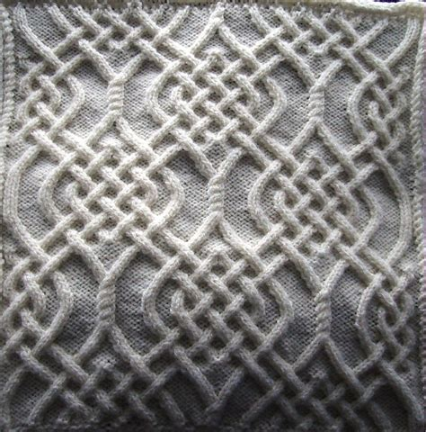 Knots Knitting On The Square - celtic motif knot 79 pattern by devorgilla s knitting