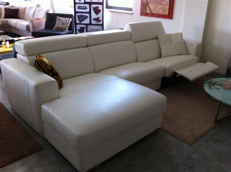 divani pelle offerta offerta divano in pelle relax divani a prezzi scontati