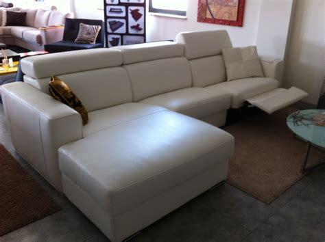 divani in pelle offerta offerta divano in pelle relax divani a prezzi scontati