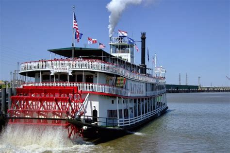 free things to do in new orleans stroll on the moonwalk