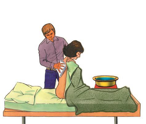 im bett die kalte waschung am kranken im bett grippe infekt
