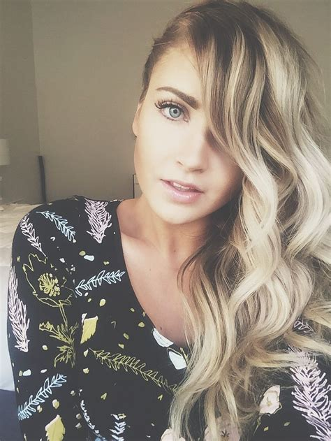 cara loren fancy up the bump see also i want this to be 1000 ideas about side curls on pinterest side