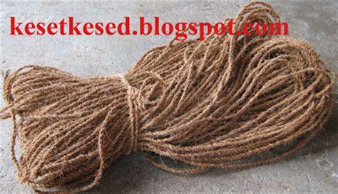 Harga Sabut Kelapa Kering serat serbuk dan tali sabut kelapa produk dari sabut