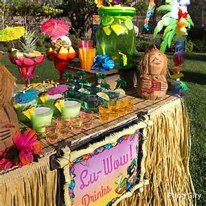 raffia luau table idea luau raffia decorating ideas