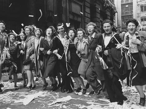 film queen elizabeth ve day seventy years ago today queen elizabeth secretly partied