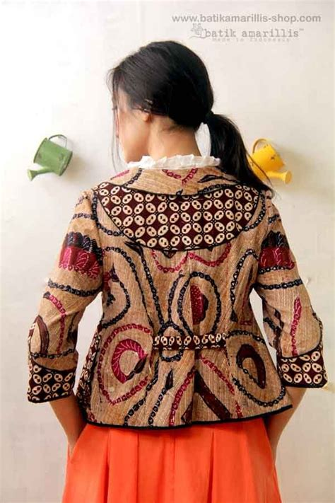 Blouse Santai Bahan Jumputan 293 best images about klambi batik on day dresses batik blazer and kebaya