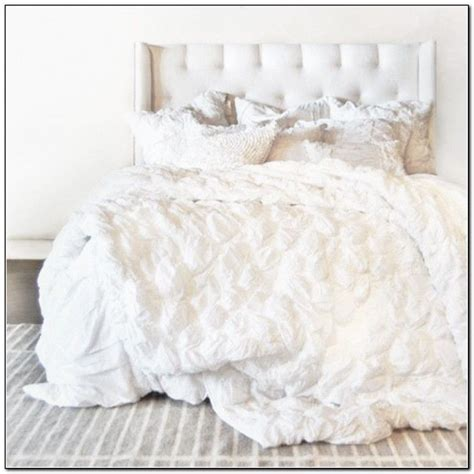 ruffled bed comforters 1000 ideas about white ruffle bedding on pinterest
