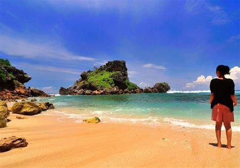 nglambor beach pantai nglambor snorkeling yogyakarta