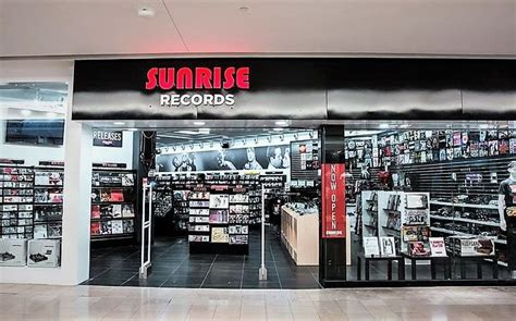 Chaign Court Records Cds Spinning Big Sales Numbers For Records Chain Fyimusicnews
