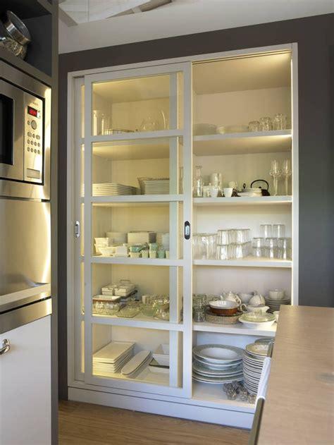 interior armarios cocina las 25 mejores ideas sobre organizar los armarios de la