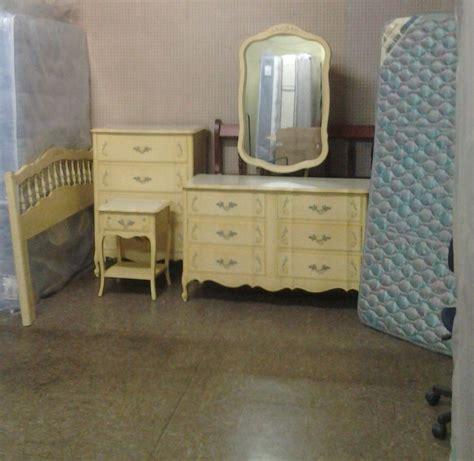 dixie antique bedroom furniture cabaret dixie bedroom set apple green my antique