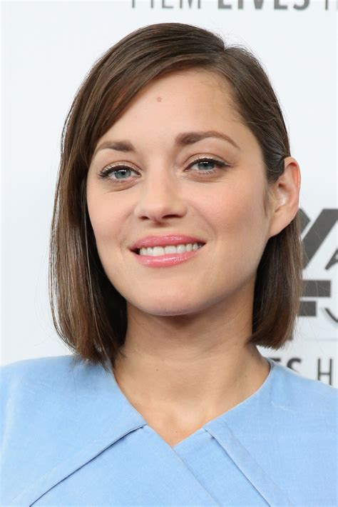 bob hairstyles for night out marion cotillard side parted straight cut marion