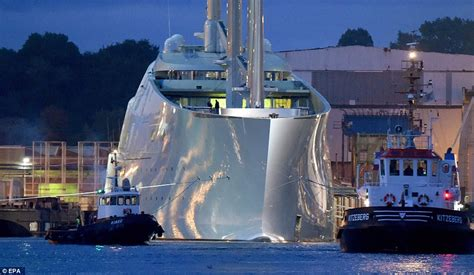 billionaire s yachts are the biggest party palaces the - Biggest Boat Party In The World