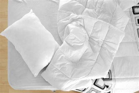 pulizia materasso pulire e igienizzare materasso e cuscini