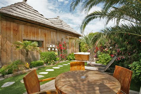 tiki hutte reservation tiki lounge garden 1 tiki hutte h 233 bergements