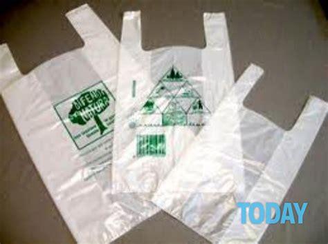 sacchetti di plastica per alimenti la norma che li vieta c 232 buste della spesa illegali in 5
