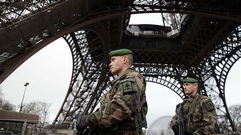 Atentado em Paris: manipulação e islamofobia ← ORIENTE mídia Atentado Em Paris