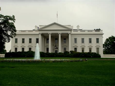 too close for comfort house white house security news secret service competency