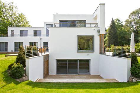 garten unterkellern modernes wohnhaus mit aufzug minimalistisch h 228 user
