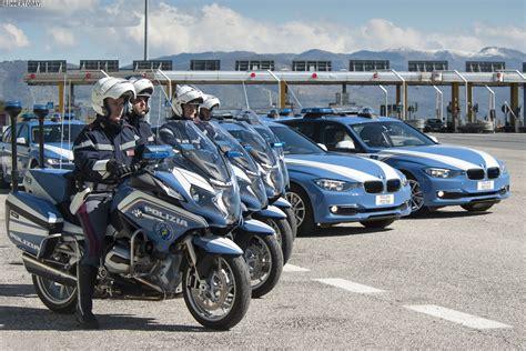 Bmw Motorrad Touring by Polizia Stradale Polizei In Italien Setzt Auf Bmw 3er Touring
