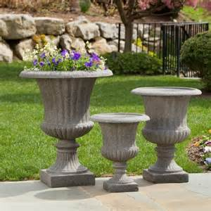 alfresco home scanalata urn planter pietra traditional