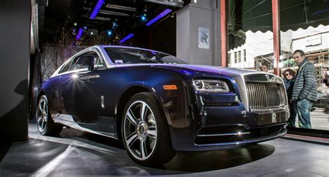rolls royce store s harrods store welcomes new rolls royce wraith coupe