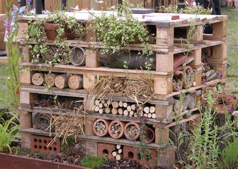gartendeko holzpaletten gartendeko aus holzpaletten nowaday garden