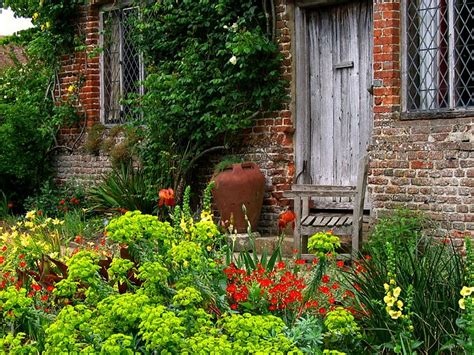 The Cottage Gardener by Country Cottages Creating Your Own Garden Cottage