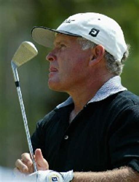 peter senior golf swing peter senior hasn t lost the passion australian senior