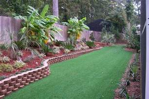 Backyard Landscaping by Nice Grass And Decorative Border For Tropical Backyard